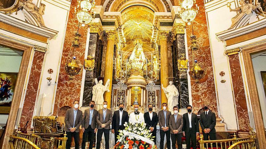 Tradicional visita a la Virgen de los Desamparados
