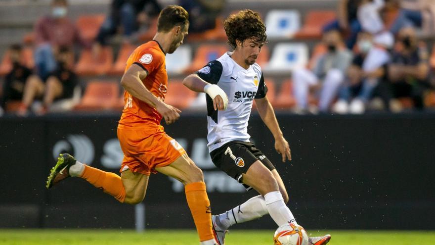 El Valencia Mestalla es más líder (2-1)