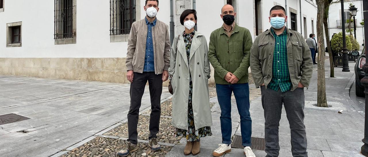 De izquierda a derecha, Diego Busto, Jennifer Castro, Alberto Morán y Jesús Gálvez.