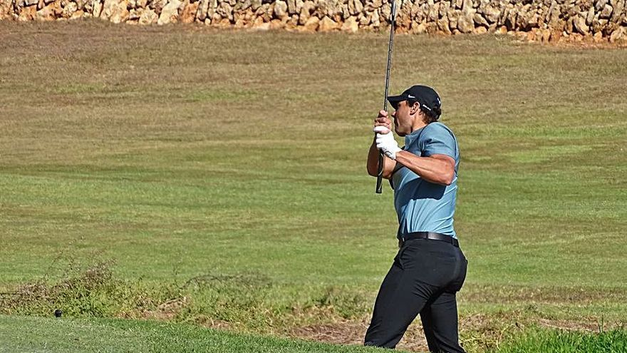 Rafa Nadal se sitúa décimo en el Balear de golf de profesionales