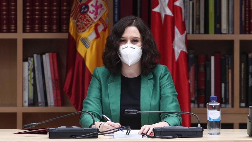 El PSOE espera tener en un mes los contratos del apartamento de Ayuso
