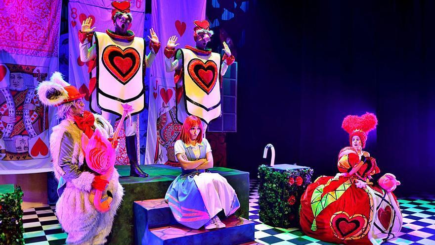 Los profesionales premian a Trencadís por «Alicia en el musical de las maravillas»