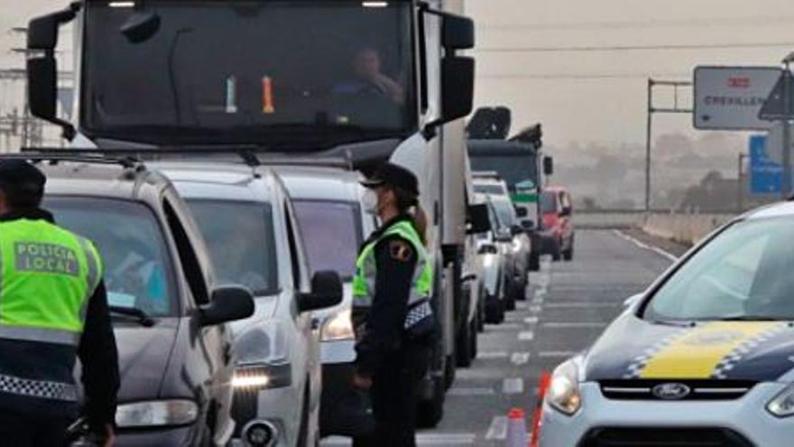 Guardias civiles y policías consideran más efectivo en Semana Santa cerrar municipios que la Comunidad Valenciana
