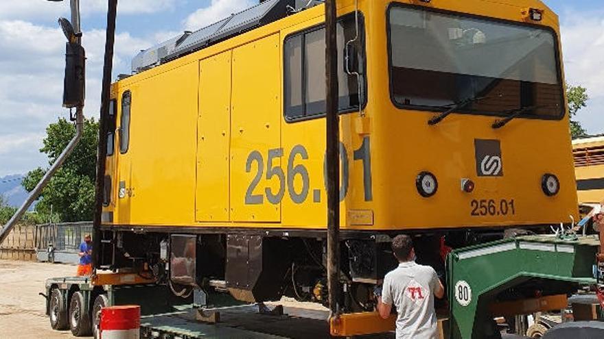 FGC incorpora una locomotora que redueix l'emissió de gasos per a la línia Llobregat-Anoia i el Cremallera de Montserrat