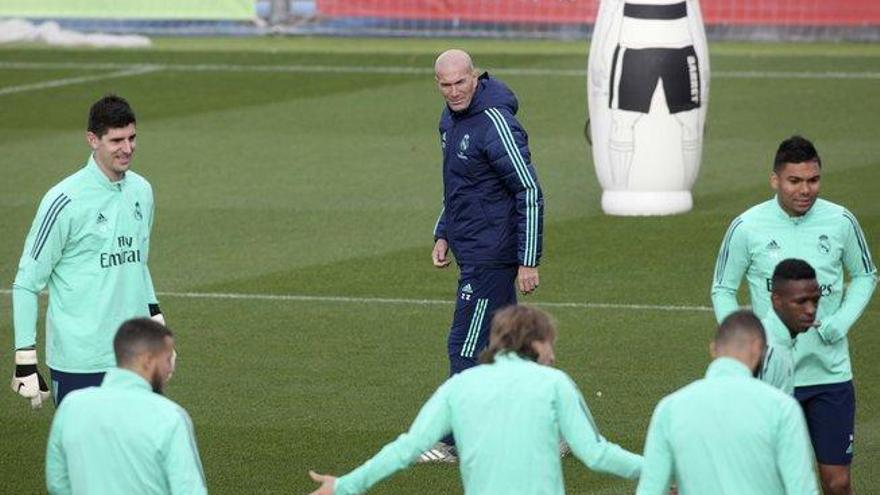 """Zidane se enfrasca en una defensa a ultranza de Bale: """"Él es el primero que sufre"""""""