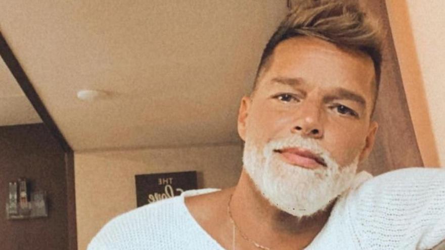 Ricky Martin sorprende con un radical cambio de look