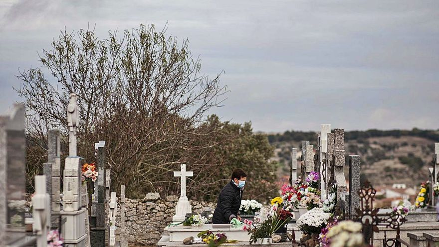 Los cementerios de los pueblos de Zamora, en silencio por el Día de los Santos