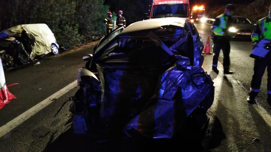 Dos muertos y varios heridos tras una colisión frontal en la A-4, a la altura de La Carlota