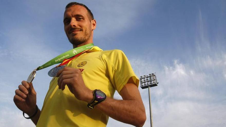 Toni Abadía consigue la mínima olímpica de 5.000 en Hengelo