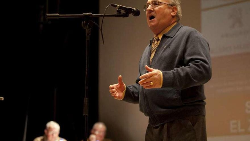 El concurso de canción asturiana de San Martín reunió a quince intérpretes