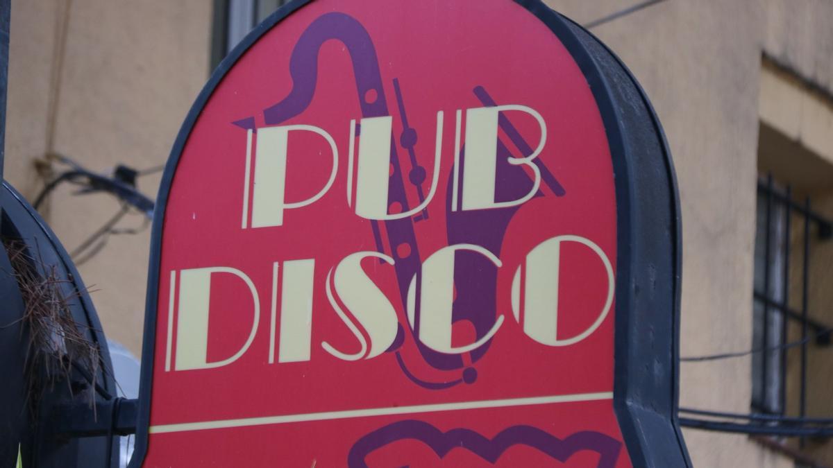 Cartell d'una discoteca de Platja d'Aro
