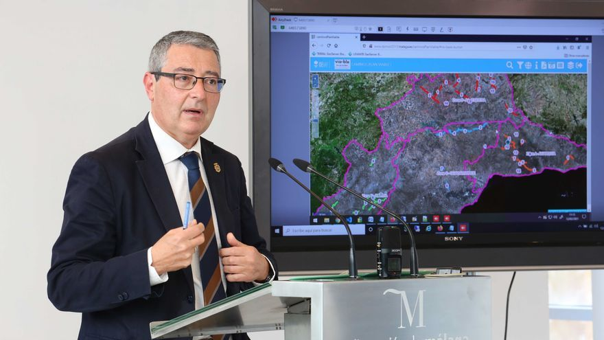 El presidente de la Diputación invita al Gobierno a comprometerse con la ampliación del Cercanías