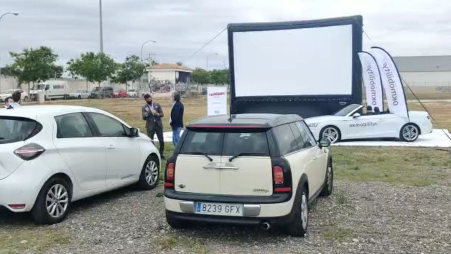 El autocine de Palma, 14 películas al aire libre para cien coches