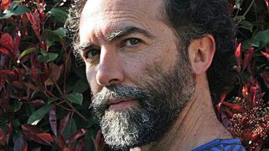 Arteixo homenajea al dramaturgo Gustavo Pernas en el auditorio del centro cívico