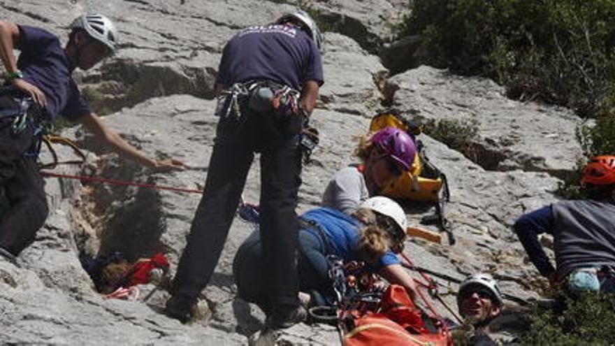 Sanitaris de tot l'Estat es formen en rescat de muntanya al Pirineu català