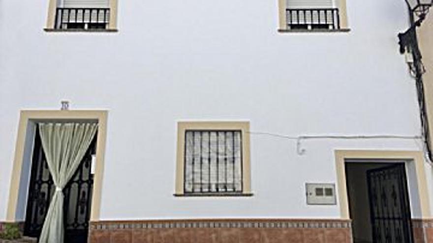88.200 € Venta de piso en Teba, 3 habitaciones, 2 baños...