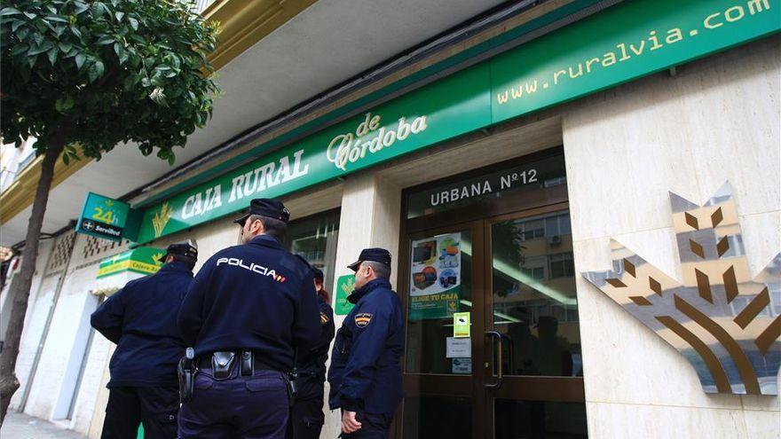 Detenido el presunto atracador de un banco que huyó con el botín en Córdoba