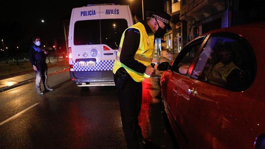 Control policial en Avilés.