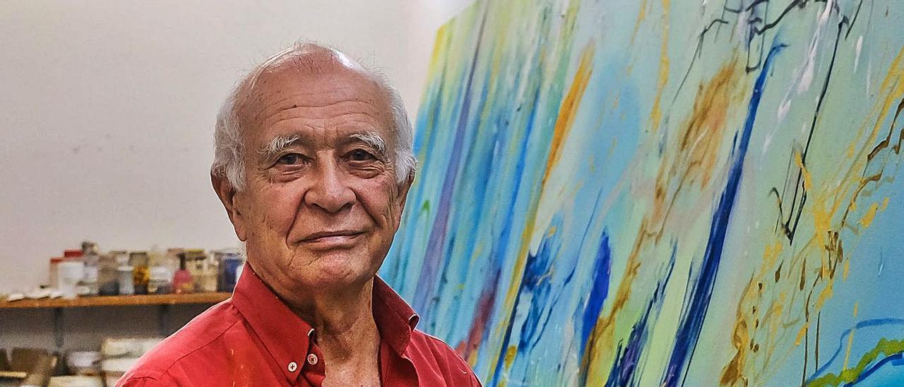 El pintor Félix Juan Bordes en su estudio, el pasado 2019. | |