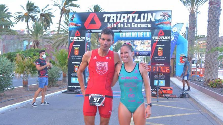 Raúl Lecuona y Raquel Arostegui reinan en San Sebastián de La Gomera