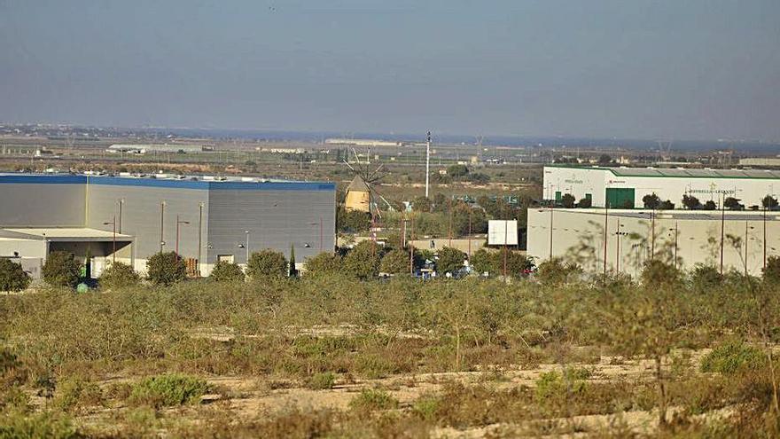 Vélez desbloquea la venta de terrenos de la ZAL de Sepes a la Autoridad Portuaria