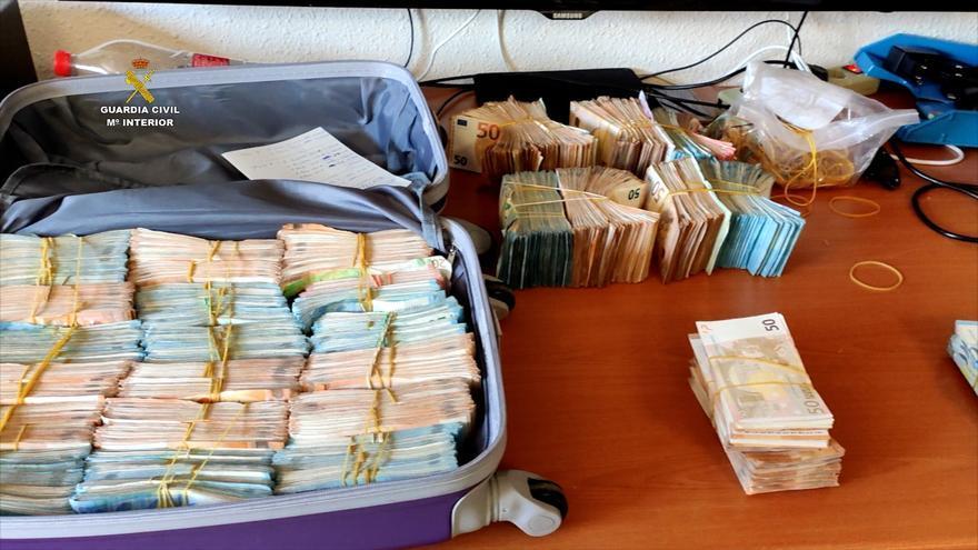 Al menos 20 detenidos en Málaga y Córdoba en la desarticulación de una red que transportaba droga