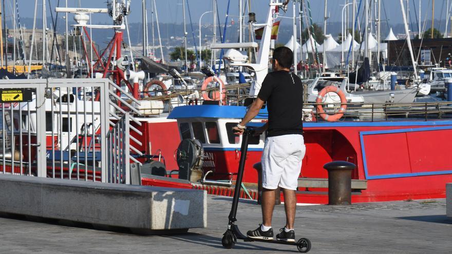 La Fiscalía exige controles de alcohol y drogas y seguro obligatorio a patinetes y bicis