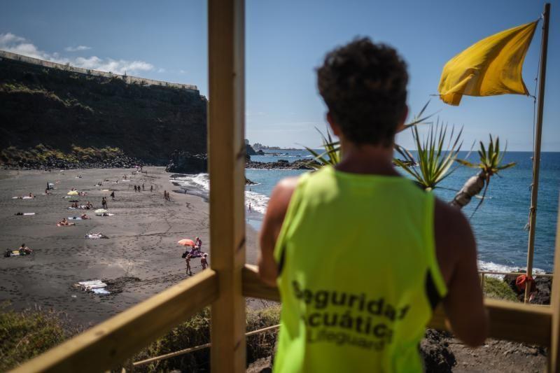 Abre la playa del Bollullo, en La Orotava