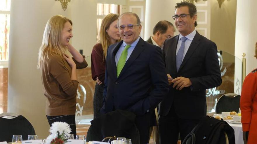 Isabel Tocino anima a los empresarios canarios a ser disruptivos e innovadores ante los retos del futuro