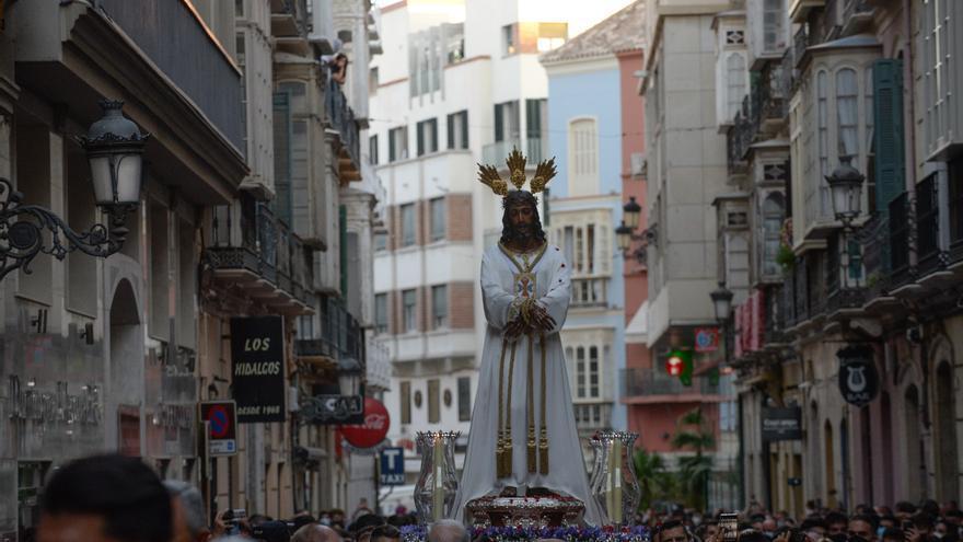 El Centro de Málaga revivió su vocación cofrade