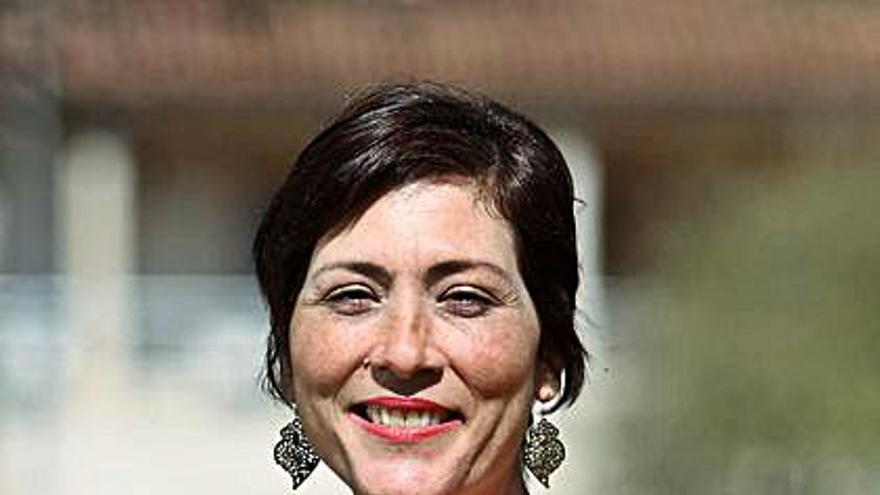 Raquel Rodríguez reclama a la Xunta que dote de más personal de limpieza al instituto