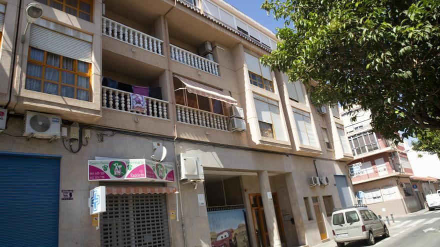 Detenida una mujer por la muerte de un hombre al que apuñaló en un piso de Alicante
