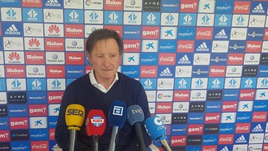 """Anquela, entrenador del Real Oviedo: """"Todavía estamos ahí"""""""
