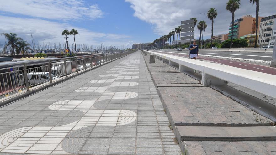 Paseo marítimo a la altura del Muelle Deportivo en Las Palmas de Gran Canaria