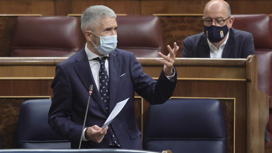 Gobierno y Generalitat de Cataluña negocian la ampliación de la plantilla de los Mossos