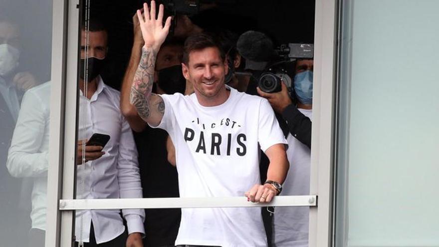 El PSG hace oficial el fichaje de Messi