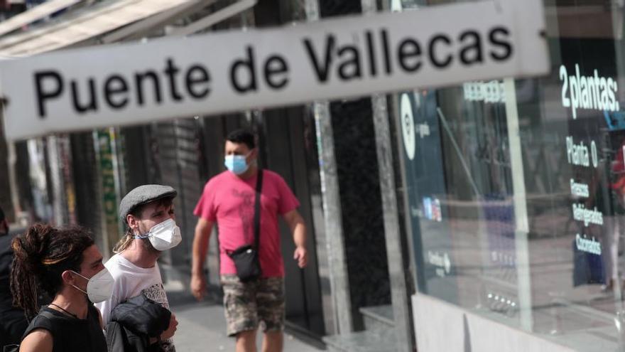 Madrid no impondrá multas por saltarse las restricciones hasta tener el aval de un juez