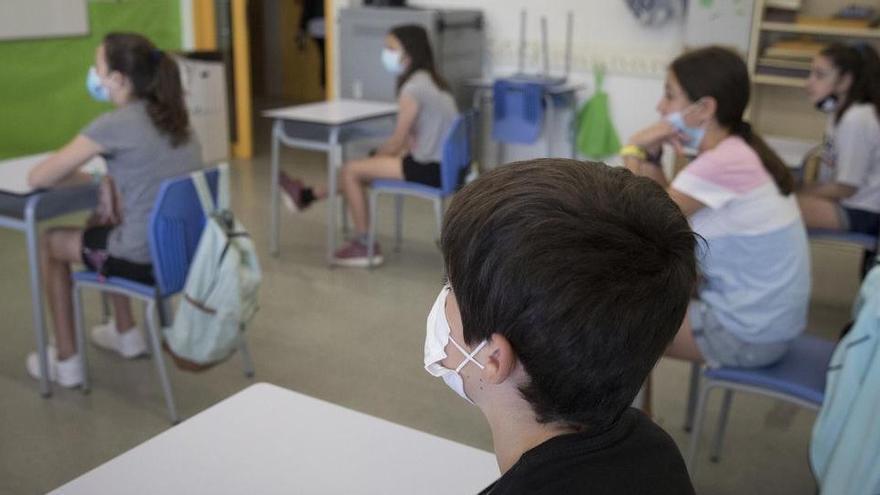 Els grups escolars confinats al Bages cauen en picat després de la setmana més crítica