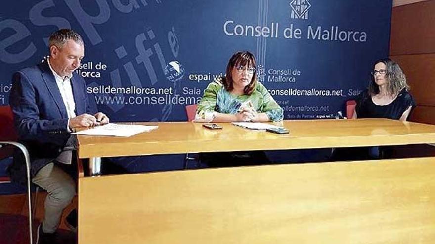 Los Premis Mallorca firman la paz con los escritores: el Consell buscará la editorial