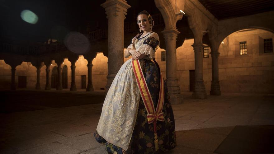 Revive el viaje de Marina Civera y la corte a Salamanca para el Extra de Fallas de Levante-EMV