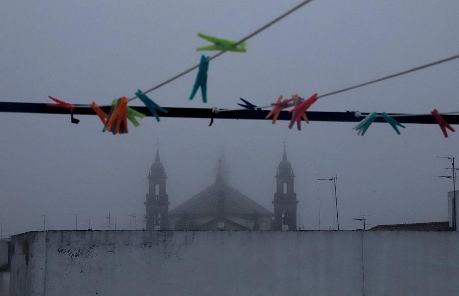 Córdoba despierta bajo la niebla