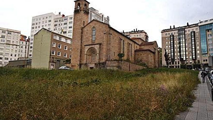 La Sareb suma la venta de suelo en Visma y el entorno de la iglesia de los franciscanos