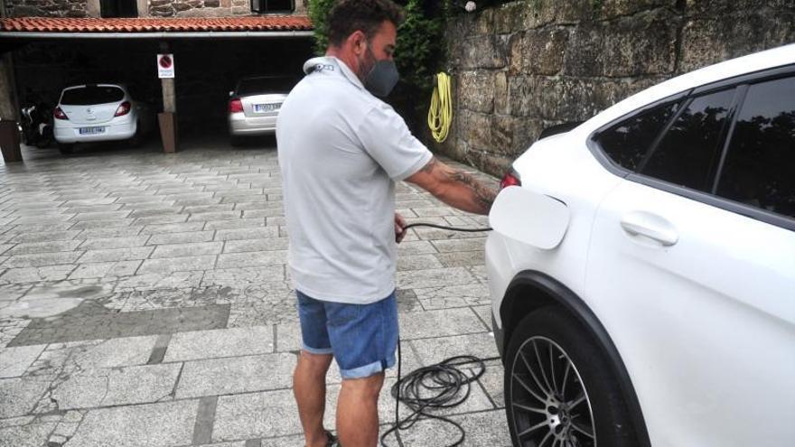 Sin puntos de recarga eléctrica en las gasolineras de la comarca