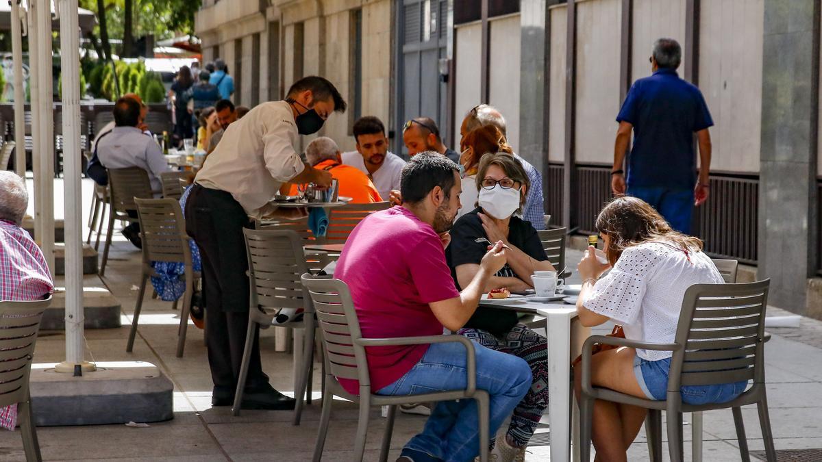 Local de hostelería de la calle San Pedro de Alcántara de Cáceres.