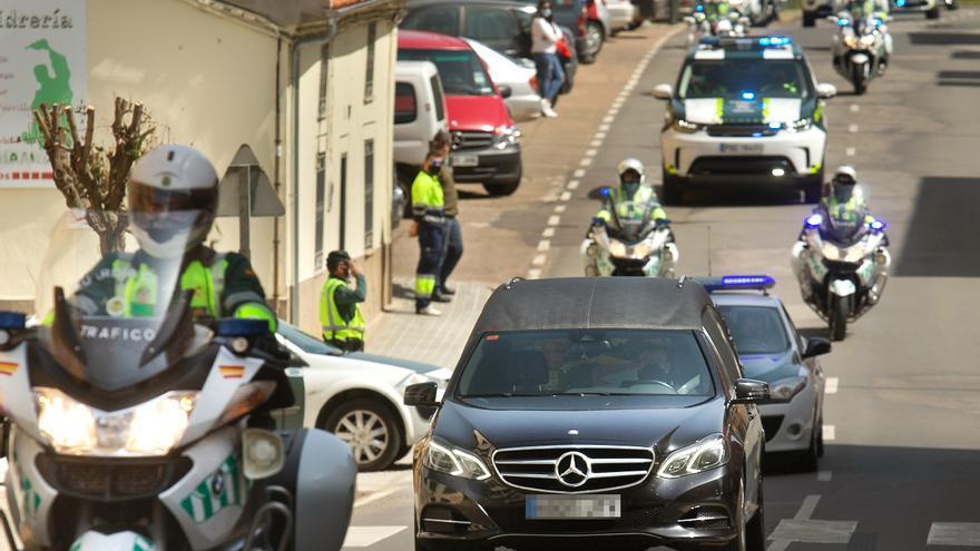 Entregan la Cruz del mérito a la viuda del Guardia Civil fallecido en Salamanca