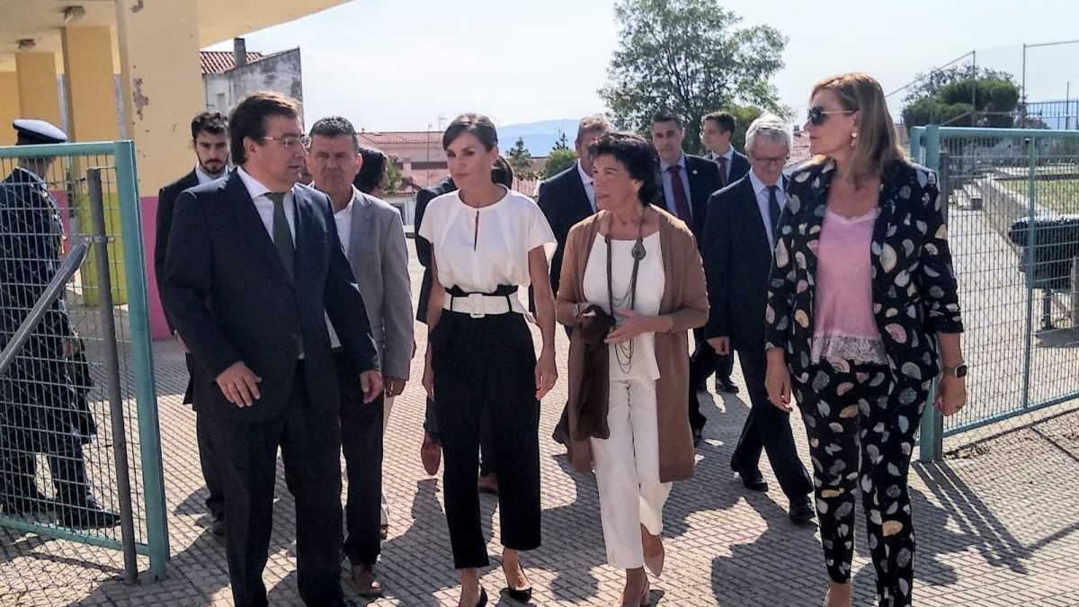 La Reina inaugura el curso escolar con 408 estudiantes de Torrejoncillo