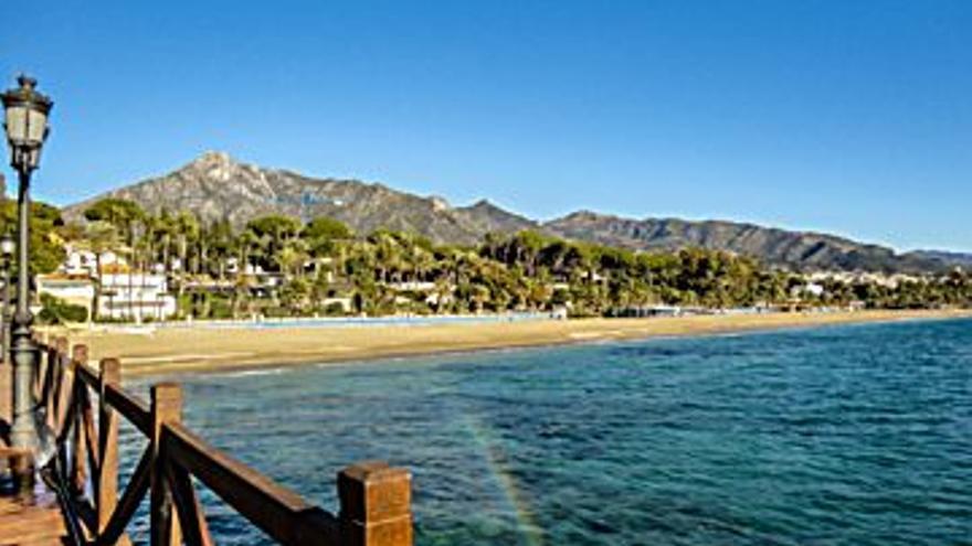 549.000 € Venta de casa en Milla de Oro - Nagüeles (Marbella) 400 m2, 3 habitaciones, 2 baños, 1.373 €/m2...