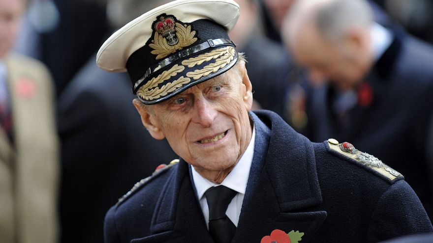 El Reino Unido rinde tributo al príncipe Felipe con salvas de cañón