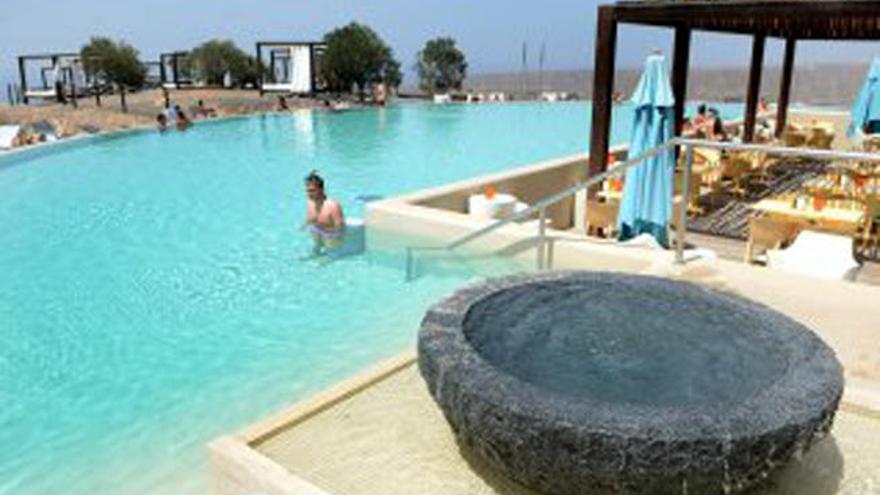 El mar y el cielo en tres piscinas de Canarias