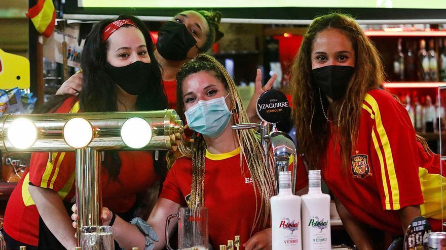 """Los aficionados, en Wenbley y en Asturias, lamentan la eliminación ante Italia: """"Fuimos superiores"""""""
